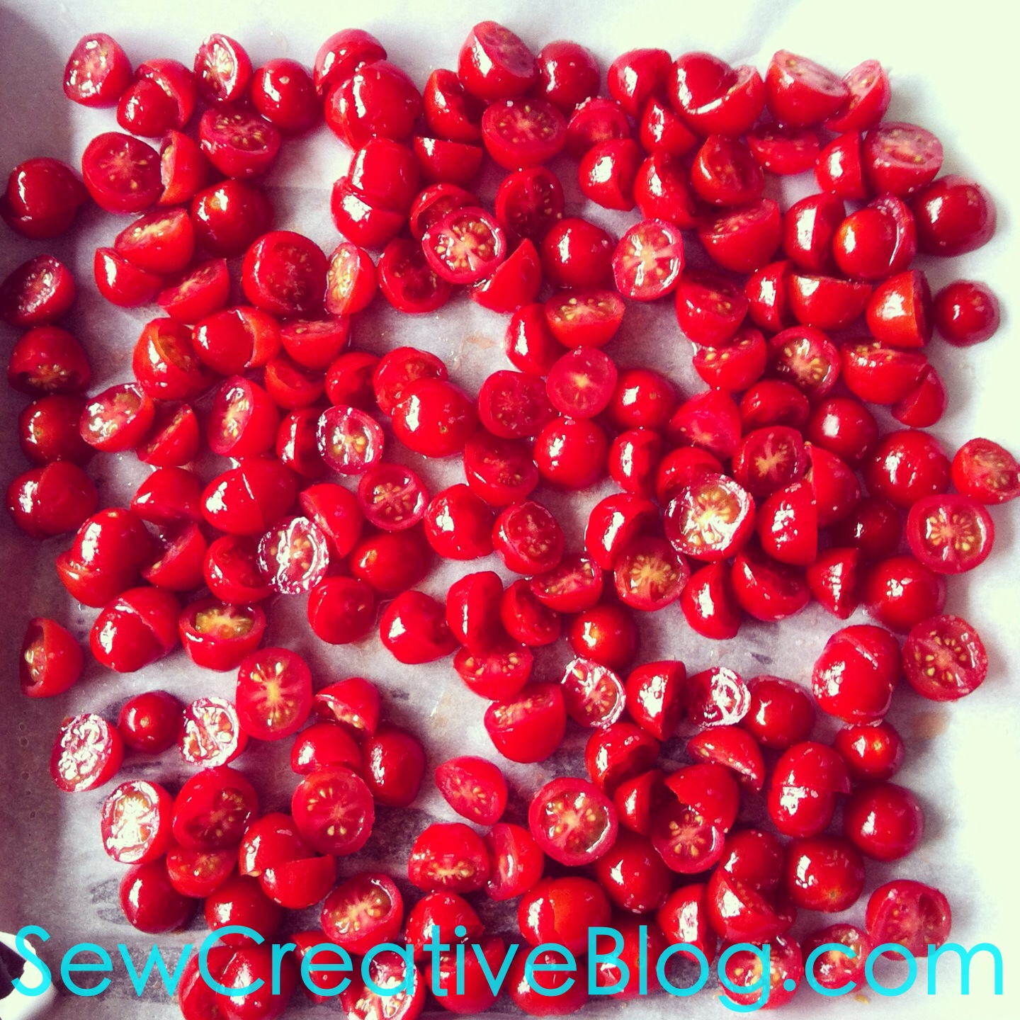Oven Dried Tomatoes Recipe From Sew Creative Blog like sun dried tomatoes but yummier 1