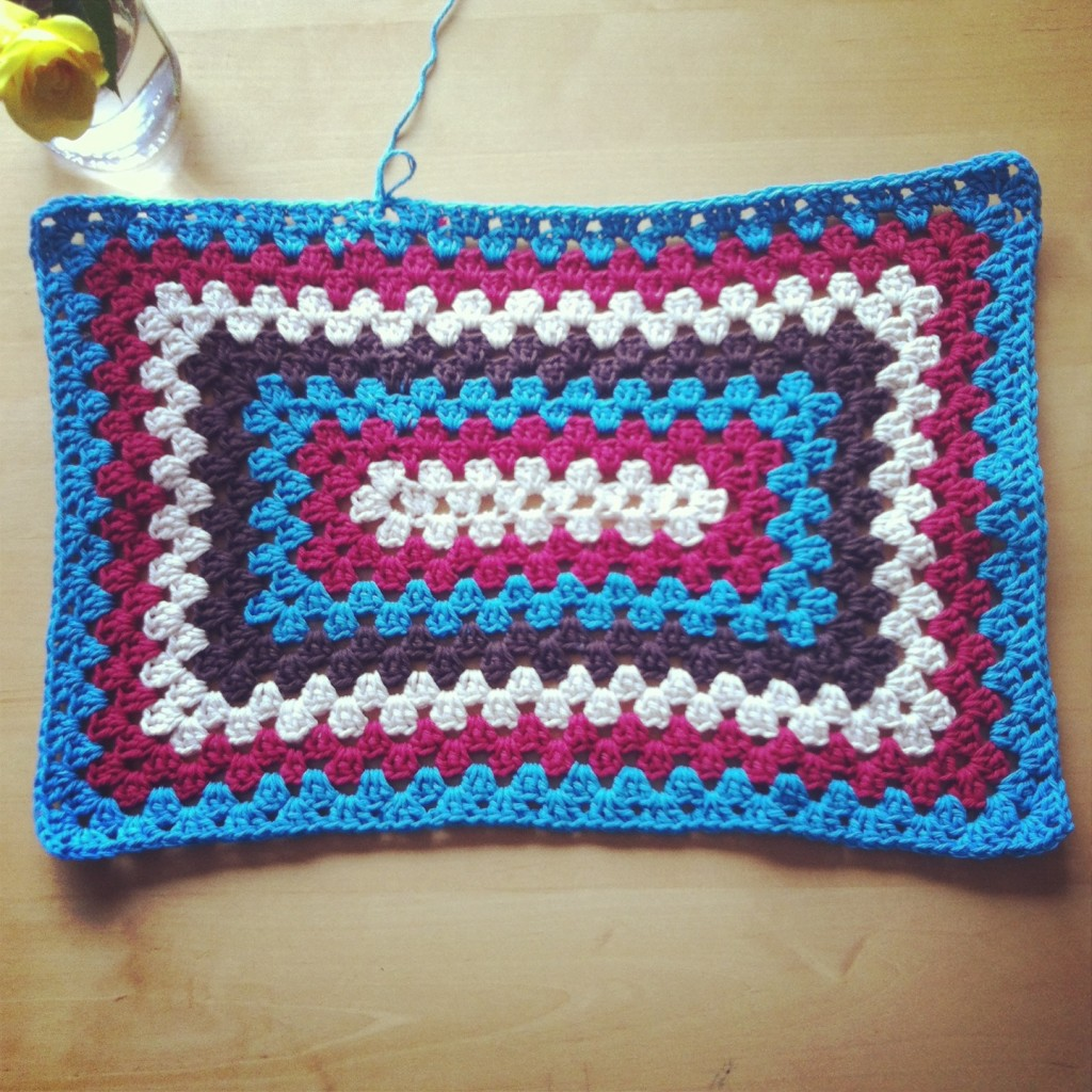 Sew Creative Granny Rectangle Blanket in Red, Aqua, Brown and White