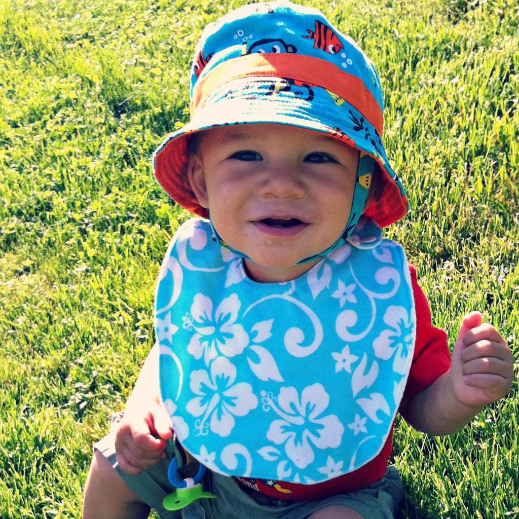 Sew Creative's 15 Minute Baby Bib Sewing Tutorial Craftgawker