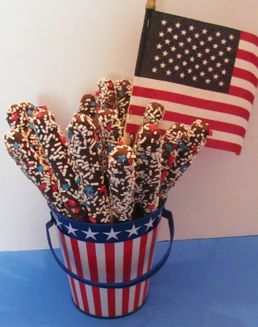 Fourth of July Chocolate Pretzel Sparklers
