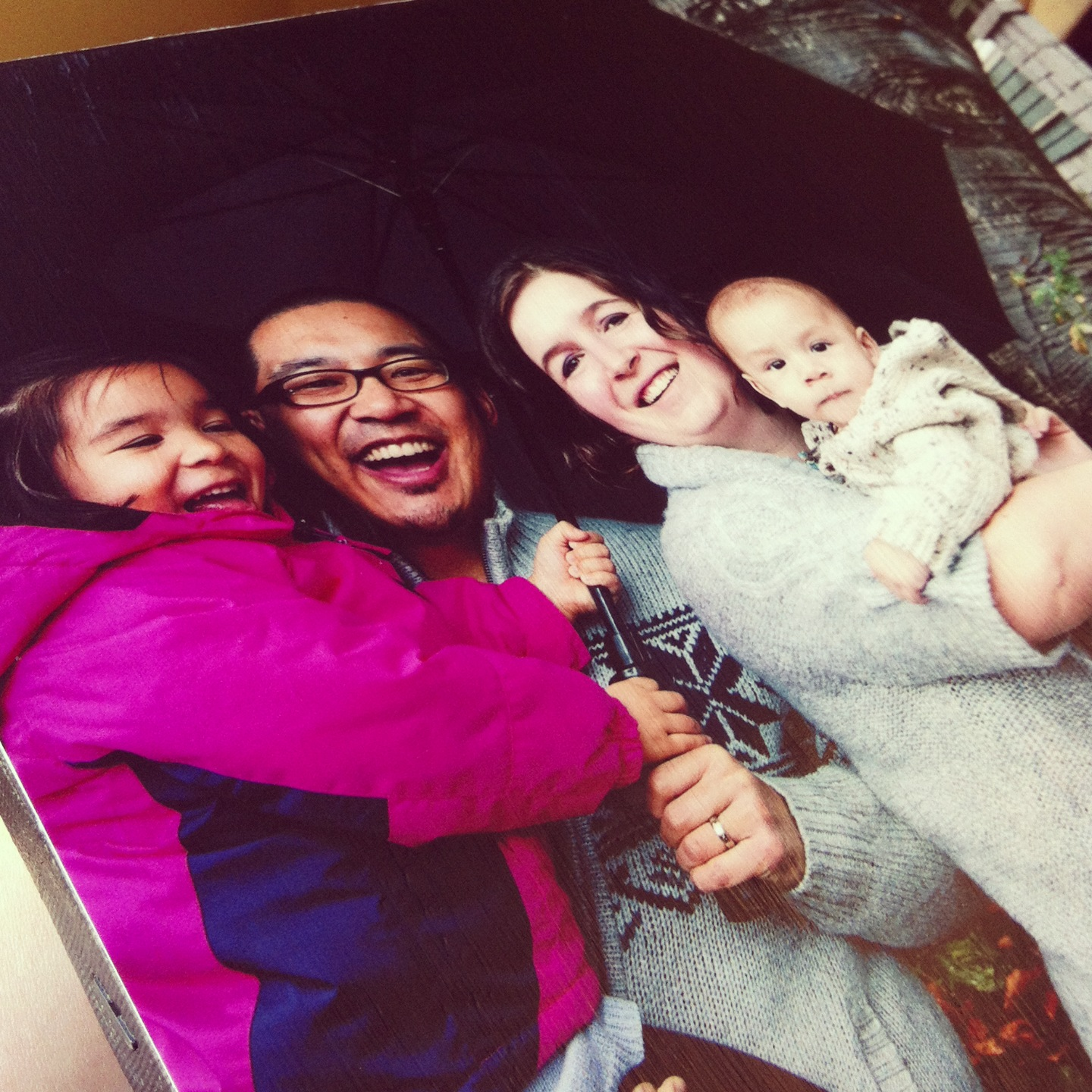 Mounting photo to canvas tutorial A great handmade gift for under $5.00 5