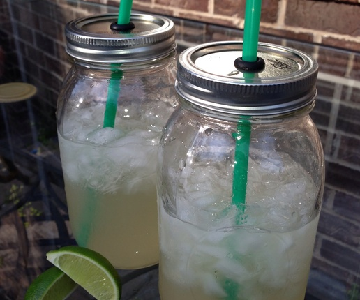 Mason Jar Drinking Cup Tutorial on how to make the lid