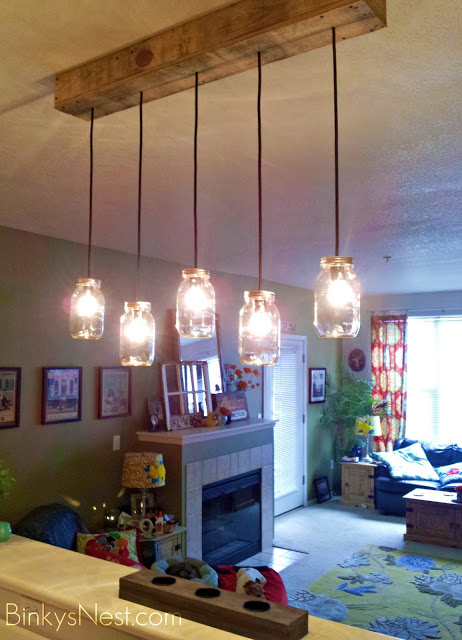 Rustic Mason Jar Light Fixture made with Wooden Pallet