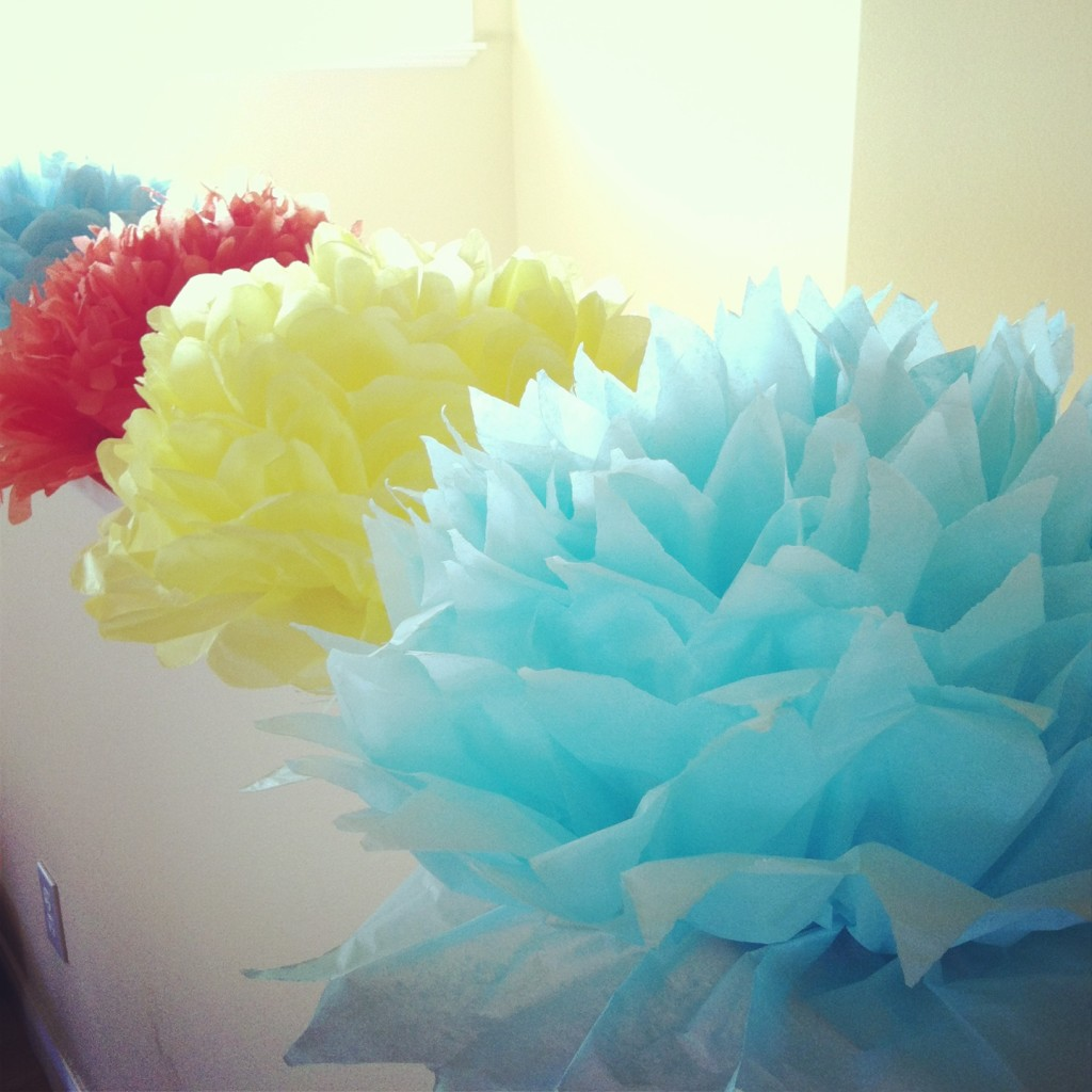 DIY Tissue Paper Flowers on HelloCreativeFamily.com