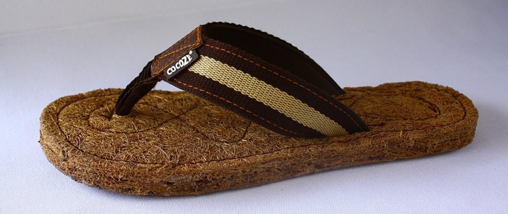 Cocoze Coconut Fiber Flip Flops in Men's Sienna