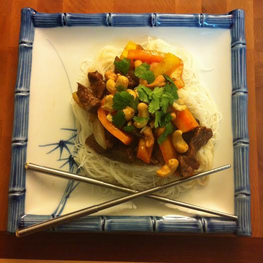 Honey Teriyaki Beef Stirfry Recipe from Sew Creative Blog and Blue Dragon #BlueDragonMom 1