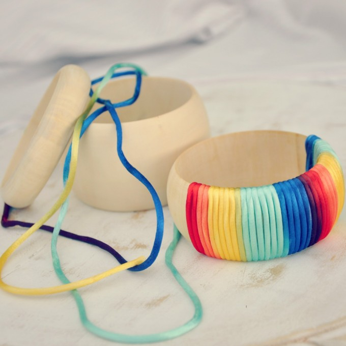 rainbow-ombre-bangle-DIY-680x680