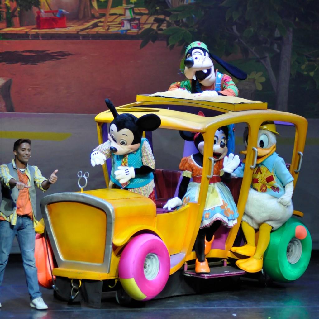 Disney Live Rockin Road Show Pic 1.jpg