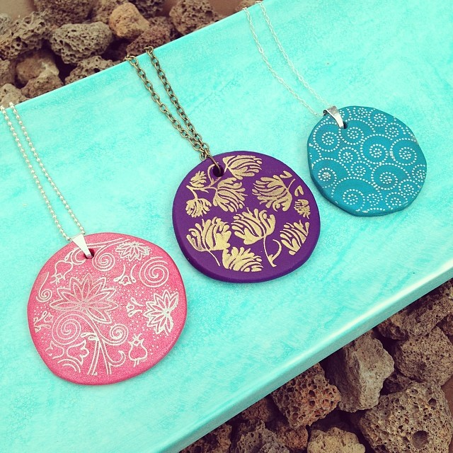 How to make silk screened  Premo Sculpey Clay pendants 8