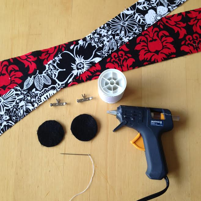 Oh Sew Easy 10 Minute Fabric Flower Tutorial No Sewing Machine Required 1