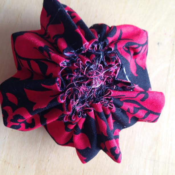 Oh Sew Easy 10 Minute Fabric Flower Tutorial No Sewing Machine Required 8