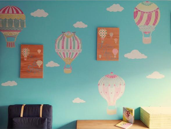 Wallternatives Hot Air Ballon Themed Children's Room from Sew Creative Pic 1