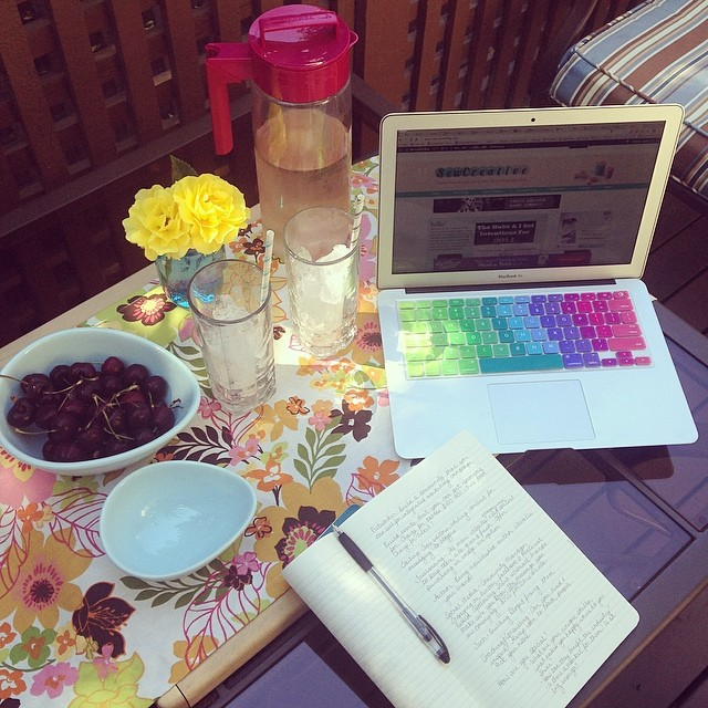 Favorite Things Friday- Work setup complete with Takeya Iced Tea Pitcher filled with DAVIDsTEA Summer Collection