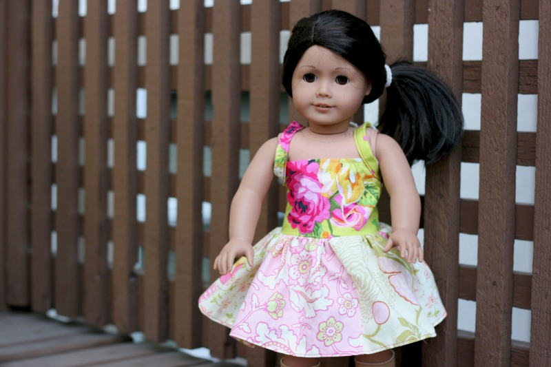 American Girl Doll Dress Sewing Project perfect for a beginner sewer. Can be adjusted for all sizes of dolls