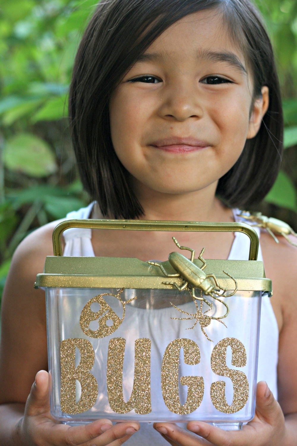 Cricut Design Space Star Challenge- Glitter and Gold Blinged Out Bug Catcher Perfect for a Bug Themed Birthday