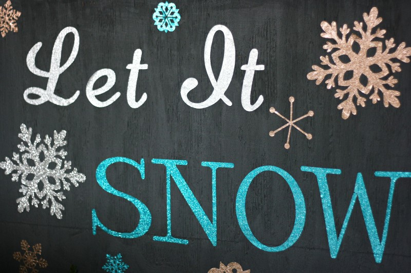 Let It Snow Recycled Pallet Winter Decor with Expressions Vinyl & Cricut Explore Up Close