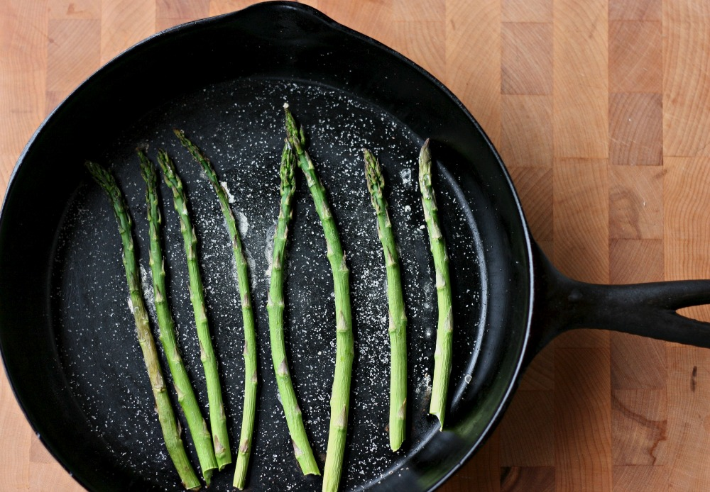 How to Roast Asparagus Without Oil- Step 4- Roast asparagus on the top rack of your oven at 450F for 7-10 minutes