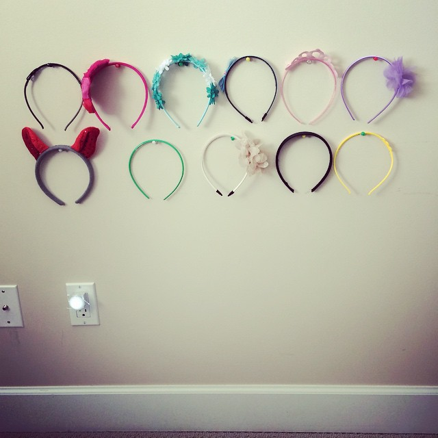 Headbands floating all over the house? Keep them organized with this simple organization trick