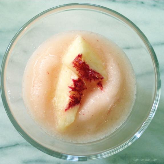 The-best-blended-peach-margarita-from-EatDrinkEat