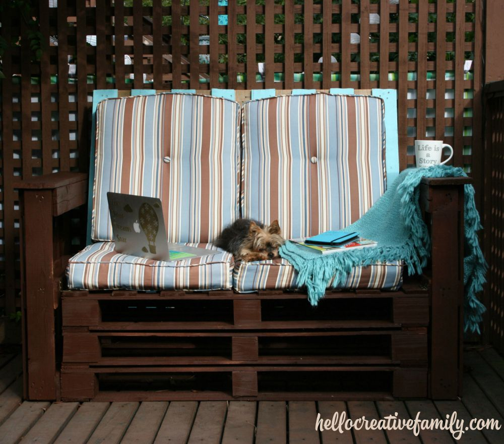 Learn To Make Patio Furniture With Pallets This DIY Dads Outdoor Pallet Couch