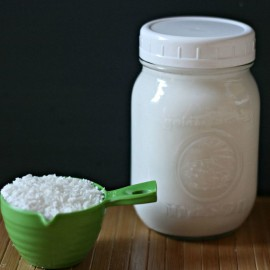 Chuck out those cans of coconut milk! Learn how to make homemade coconut milk using Hello Creative Family's quick and easy recipe