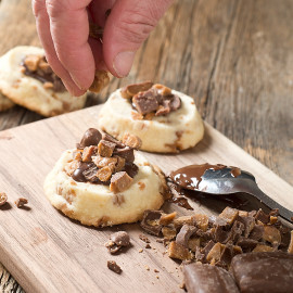 In their latest Back To Basics post, Hello Creative Family shares a recipe that should be in every bakers toolbox-- an Easy Icebox Shortbread Cookies Recipe!