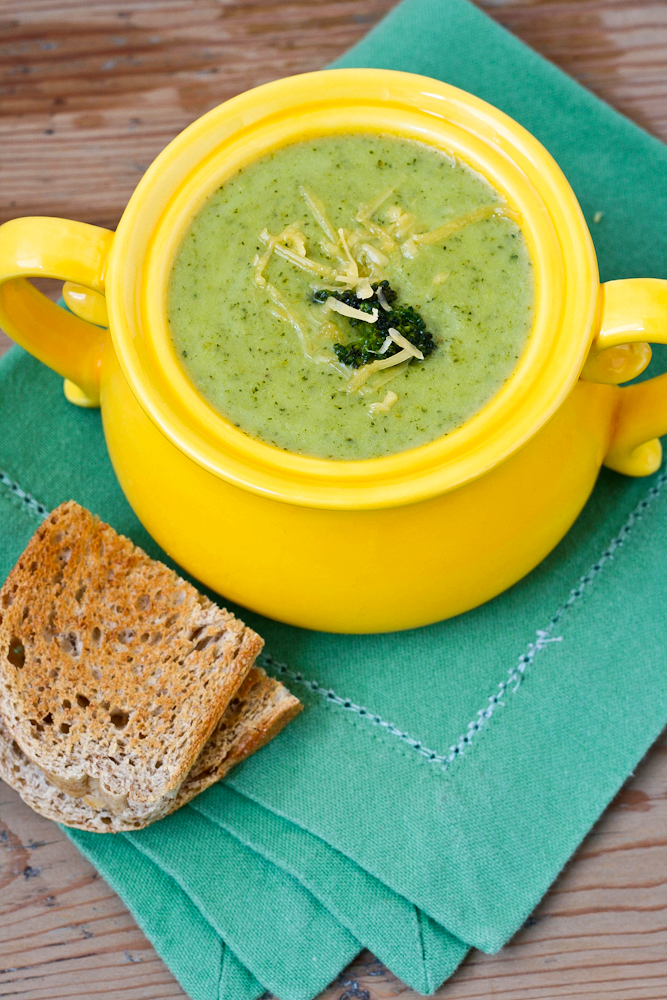 Picky Eater Blog Broccoli Soup Recipe featured on HelloCreativeFamily.com