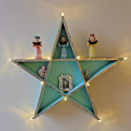 How To Build a Lighted DIY Star Shelf That's Perfect For Ornaments