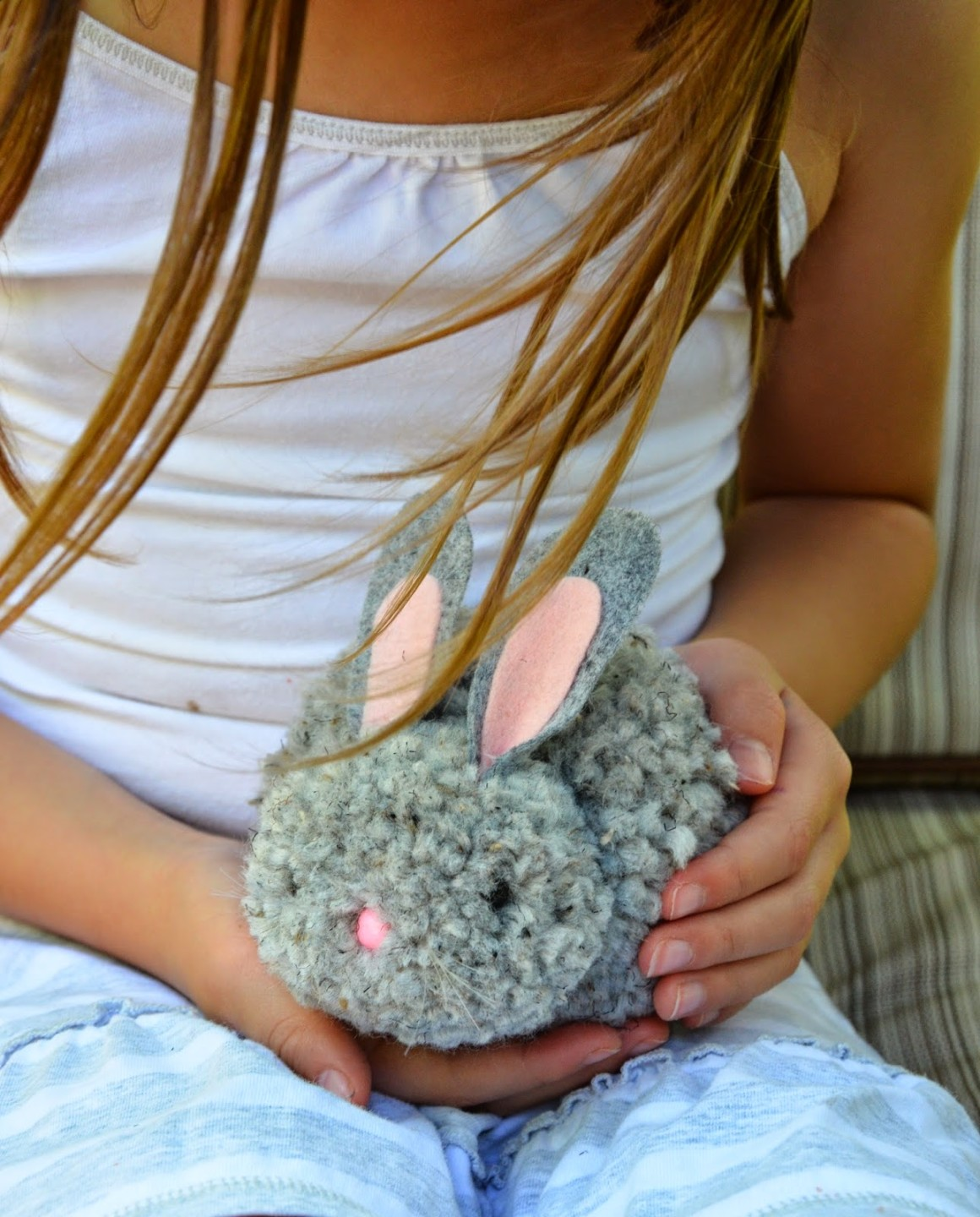 Pom Pom Easter Bunny Tutorial from ikatbag