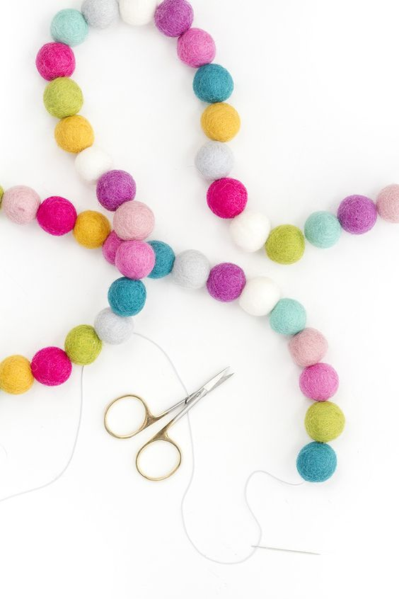 DIY Rainbow Felt Ball Garland from Dream Green DIY
