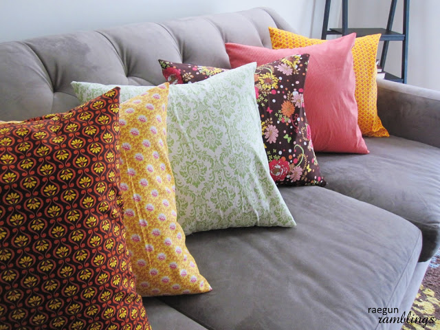 Envelope Pillow Tutorial from Rae Gun Ramblings