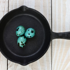 how to properly clean a cast iron frying pan