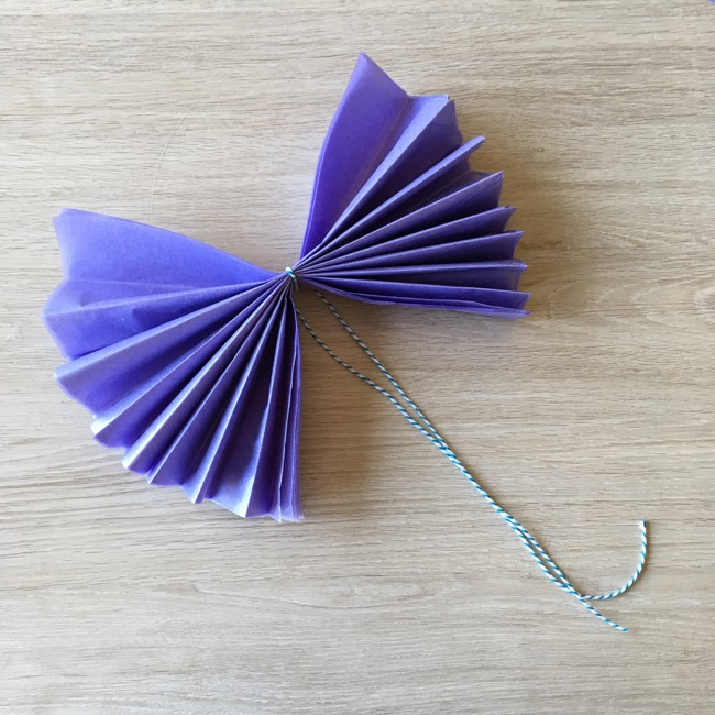 How To Make DIY Mini Tissue Paper Flowers For Party ...