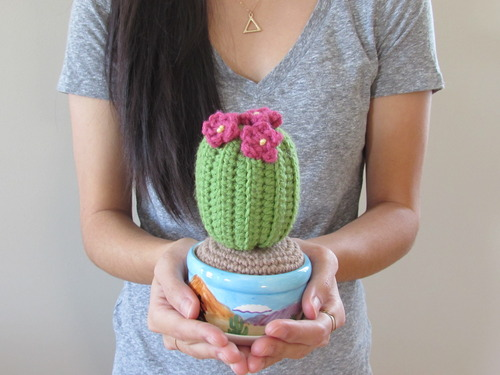 27 Crochet Projects That Are Going To Make You Want To Learn How To Crochet: Crochet Potted Cactus Pattern from Stitch Em