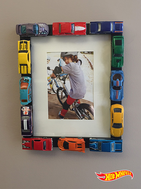 DIY Hot Wheels Photo Frame from Hot Wheels