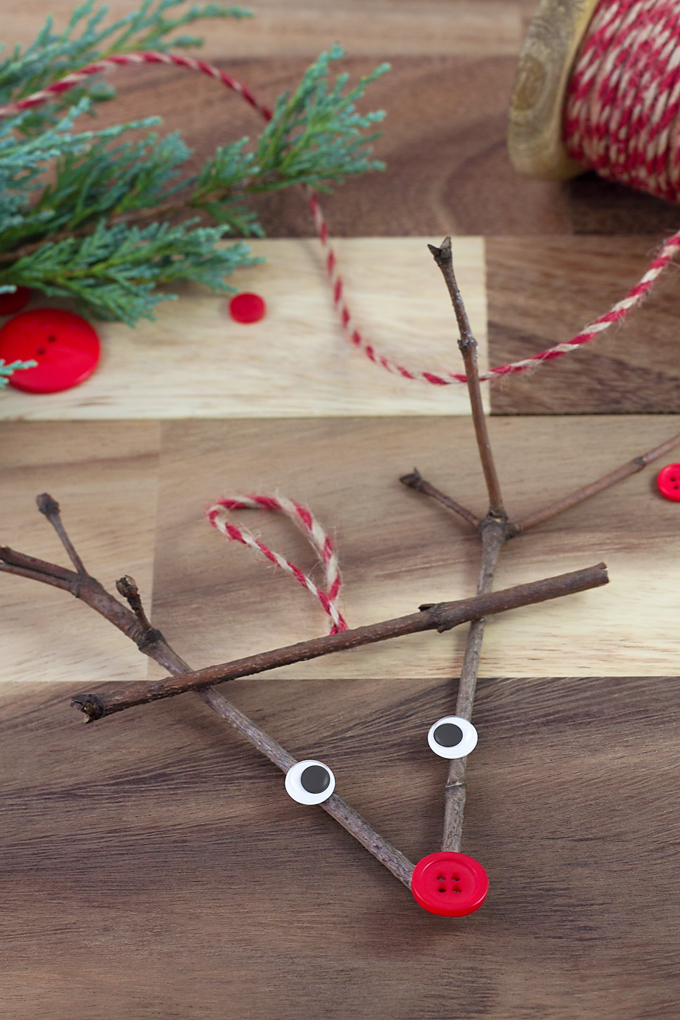 27+ DIY Christmas Ornaments Kids Can Craft- Twig Reindeer Ornament from Fireflies and Mudpies