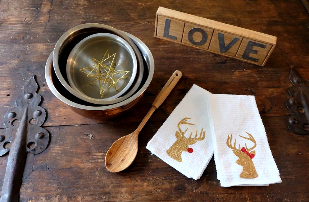 Never walk into a party empty handed! You'll love these heartfelt hostess gift ideas that pair store bought gifts with DIY handmade gifts resulting in a gorgeous, personalized gift idea that any host or hostess will love!