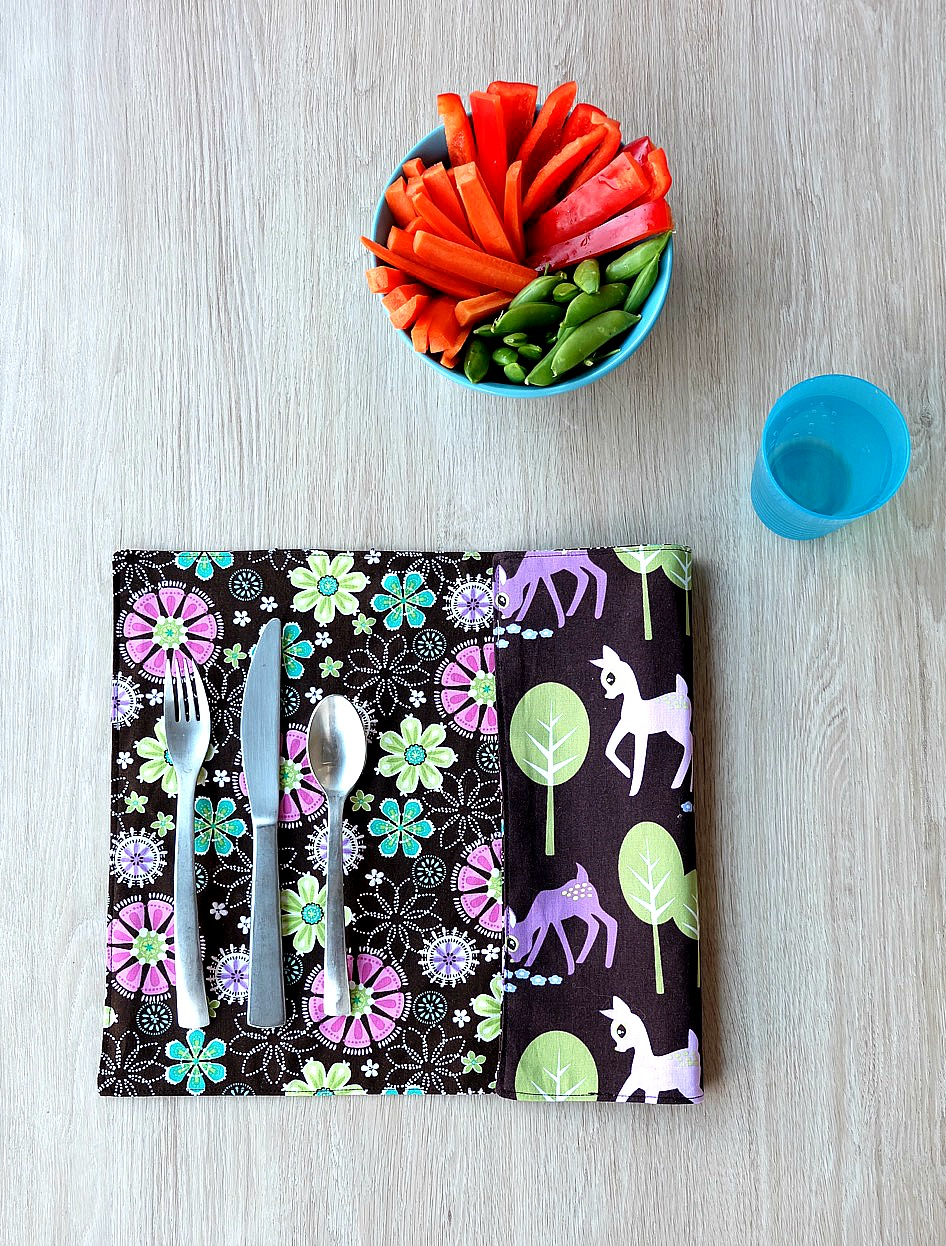This 10 minute sewing project is perfect for beginner sewers. This free tutorial has step by step photos that make it easy to make customized placemats that kids and adults will love. A great handmade gift idea, this project is easy enough for kids new to sewing!