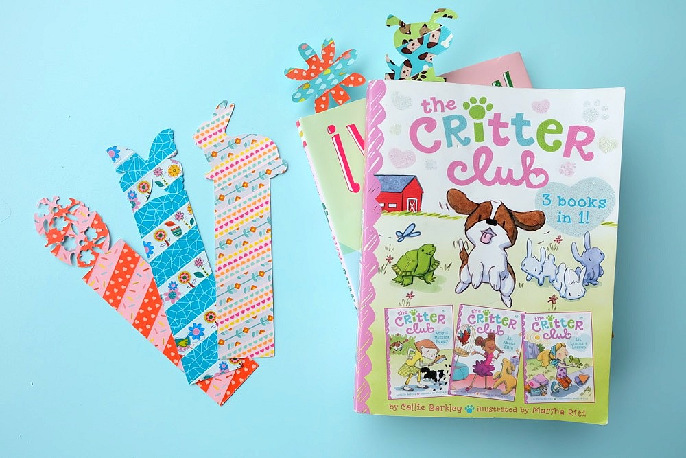 These DIY Animal Shaped Washi Tape Bookmarks made on the Cricut Explore are easy to make and they are a 10 minute craft project! They are so cute and would make great handmade gifts or non-candy Easter presents!