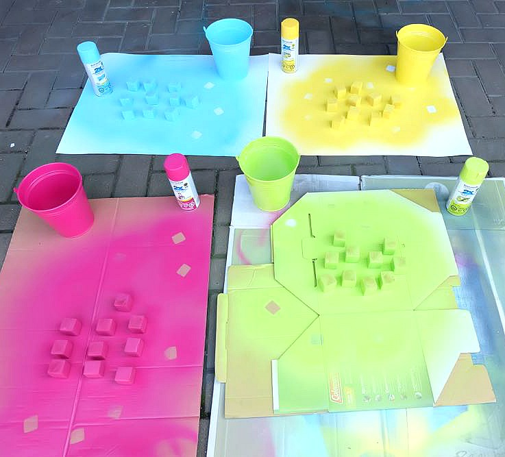 Summer just got a whole lot more fun with this fabulous weekend family project! Create your own set of brightly colored, DIY Outdoor Yard Tenzi Dice with the fun #sponsored tutorial using Rustoleum spraypaint!