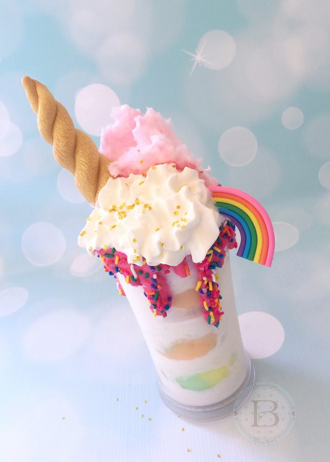 75+ Magically Inspiring Unicorn Crafts, DIYs, Foods and Gift Ideas: Unicorn Milkshake from Brownie Mischief