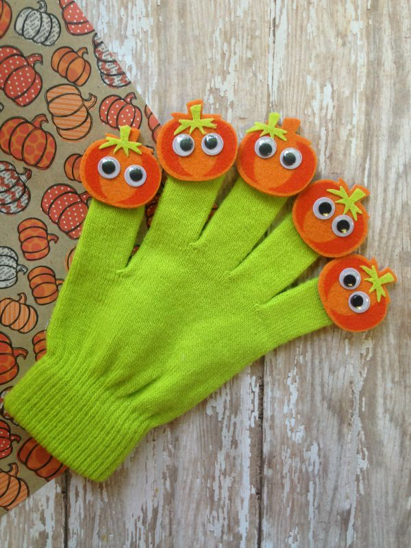 27+ Awesome Pumpkin Crafts, DIYs and Decorating Ideas- 5 Little Pumpkins Activity Glove from The Homespun Hydrangea