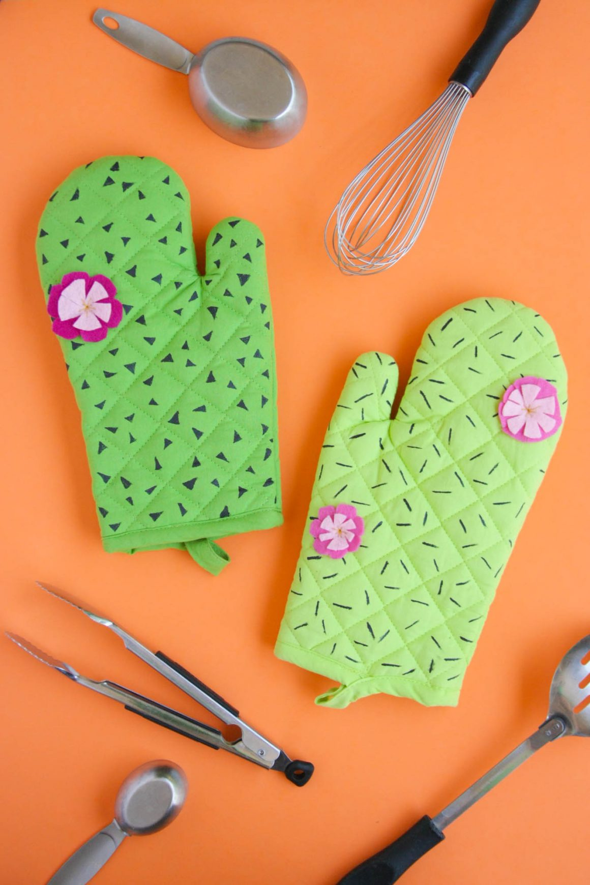 50 Easy Handmade Gift Ideas You'll Love: DIY Cactus Oven Mitts from Mollie Pop