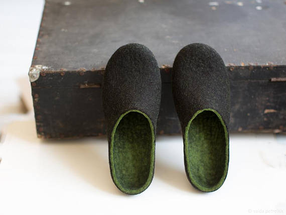 Handmade Holiday Gift Guide Gifts For Him: Felted Men's Slippers from VART