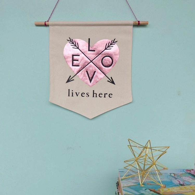 20 Minute Love Lives Here DIY Canvas Wall Banner- Sewing Tutorial + Cricut Cut File