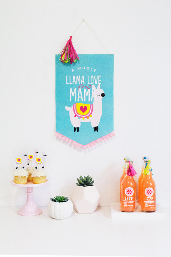 50+ Lovely Llama Crafts, Printables, SVG's DIY's, Food and Gift Ideas: Llama Love For Mama Printable Party Collection from Itsy Belle