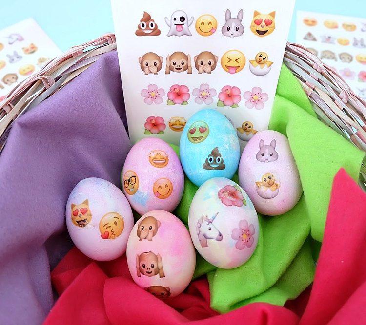 How To Make DIY Emoji Easter Eggs With Free Printable