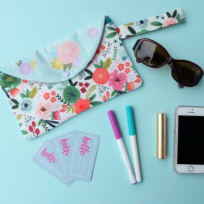 Every girl needs the perfect clutch, so why not make them! This easy sewing tutorial has step by step photos and instructions for making a DIY Wristlet Clutch Purse using your Cricut Maker. Fit all of your essentials into this one little bag! Make extras for handmade gifts!