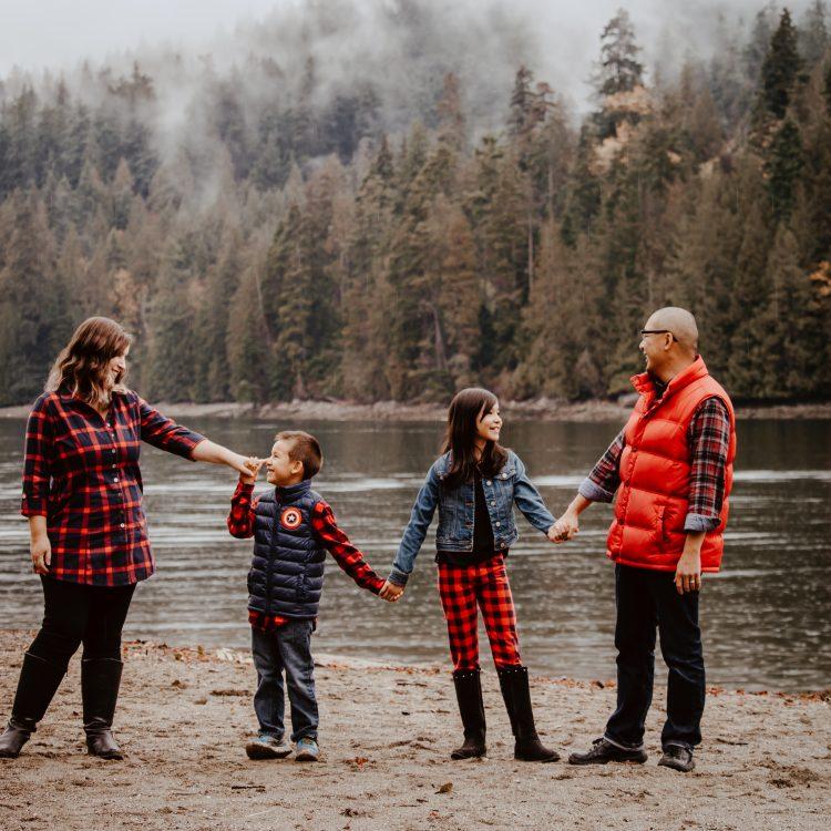 3 Free & Low Cost Ways To Get Fabulous Family Photos Taken