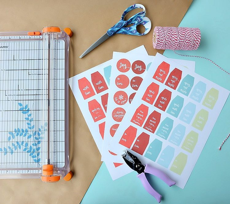Free Downloadable Printable Christmas Gift Tags + Fiskars Craft Tools Giveaway